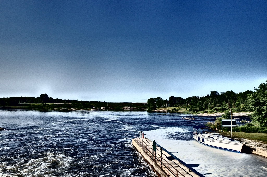 Great shot of the South side of the Port Severn dam/lock.